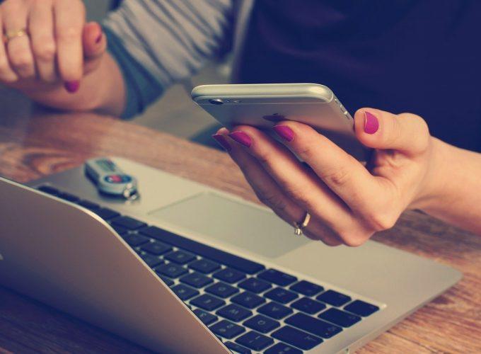 laptop i smartfon